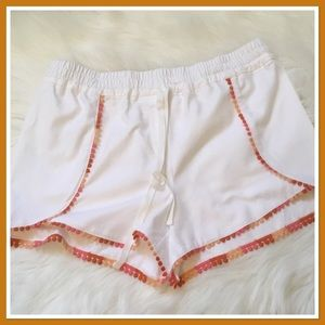 LOFT Outlet White Shorts with Trim - NWT - Medium